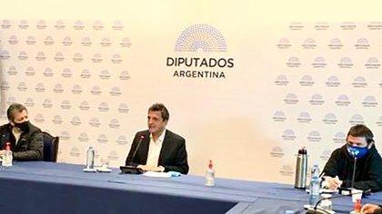 Gerardo Martínez, Sergio Massa y Juan Grabois, en la reunión realizada en la Cámara de Diputados
