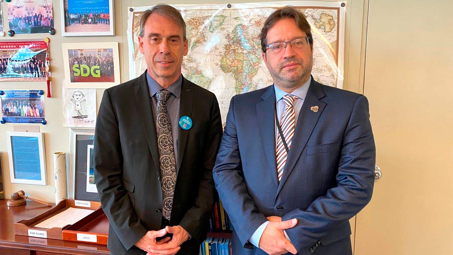 El jueves pasado, en Nueva York, Lavagna con Stefan Schweinfest Director de la División de Estadísticas de Naciones Unidas (@MarcoLavagna)