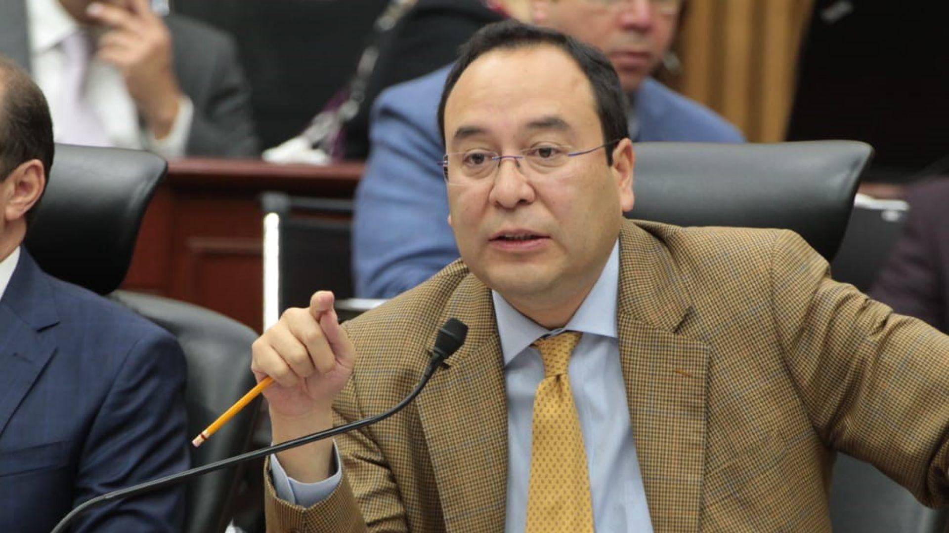 """Ciro Murayama dijo haber votado en contra de la organización política """"por convicción propia"""". (Foto: Cuartoscuro)"""