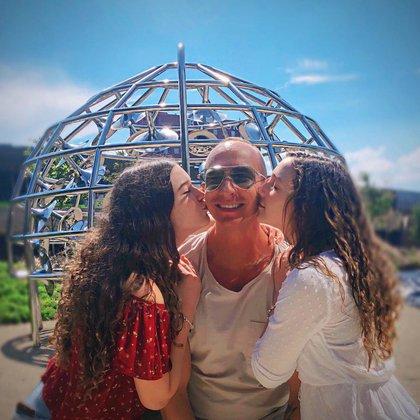 Erik Rubín y sus hijas mantienen una relación muy estrecha y cariñosa (Foto: Instagram @erikrubin)