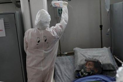 Mientras los pacientes son muchas veces salvados, los científicos buscan una vacuna eficaz para prevenir el virus - REUTERS/Carlos Jasso