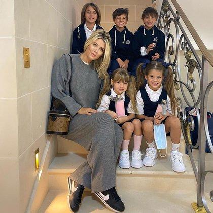 Los niños comienzan a estudiar en una escuela francesa