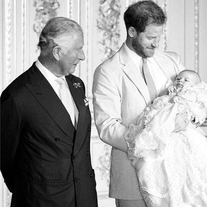 El príncipe William y el bebé Archie en el festejo del cumpleaños 71 del príncipe Carlos