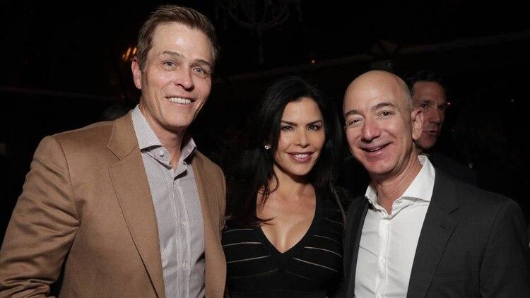 Patrick Whitesell, Lauren Sánchez y Jeff Bezos