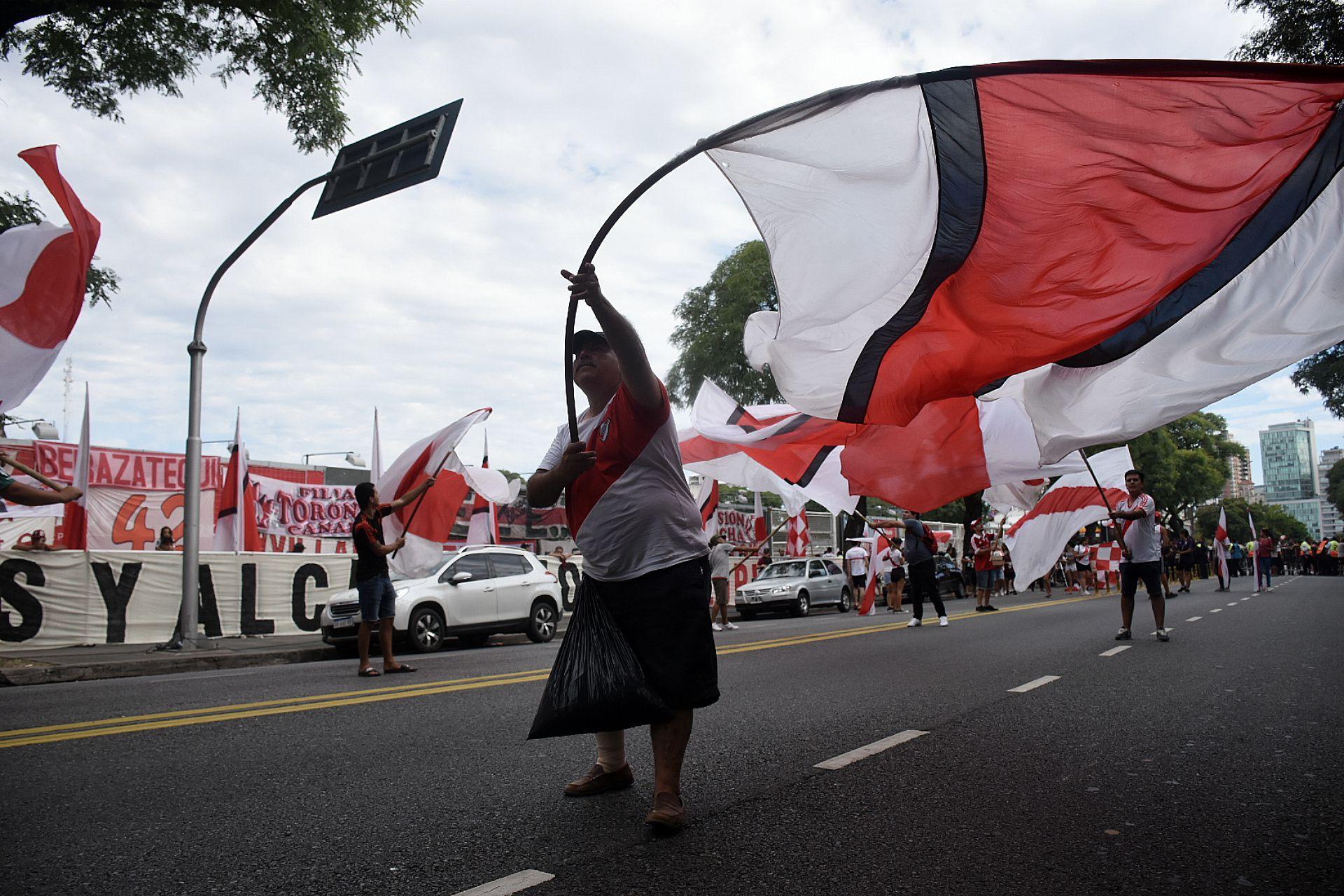 Los hinchas de River convocaron a una movida solidaria para festejar el aniversario del club (Nicolás Stulberg)