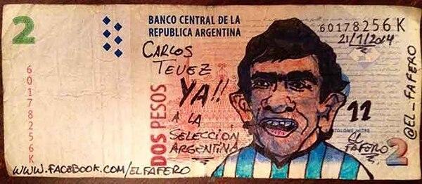 Carlos Tevez también llegó al billete de dos pesos