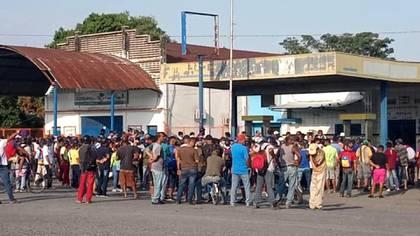 Protestas por falta de gasolina en Santa Rosalía, estado Portuguesa