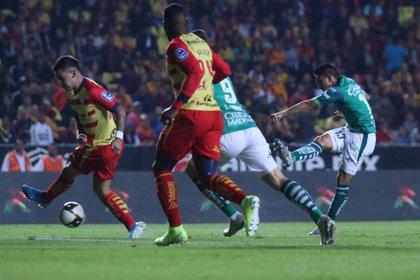 Monarcas y León empataron a tres goles (Foto Galo Cañas/Cuartoscuro)
