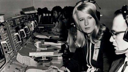Frances Northcutt fue la primera ingeniera en trabajar en el Control de la Misión de la NASA durante el Apolo 8.