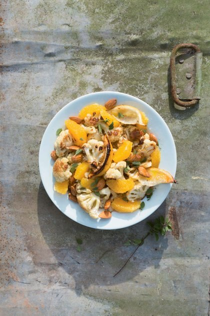 Coliflor, el ingrediente estrella para esta ensalada en el invierno.