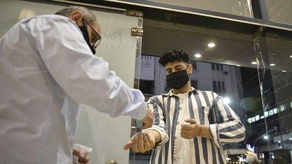 Los controles sanitarios serán estrictos (Foto: Gustavo Gavotti)