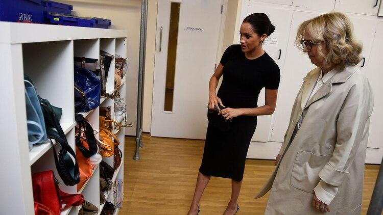 Meghan sugirió llevar una cartera negra a la entrevista de trabajo(AFP)