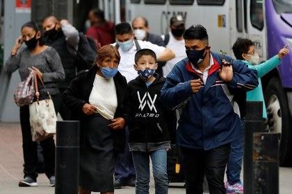 Actualmente, México suma 78,078 los decesos por coronavirus (COVID-19) y 748,315 contagios confirmados acumulados. (Foto: Reuters/Carlos Jasso)