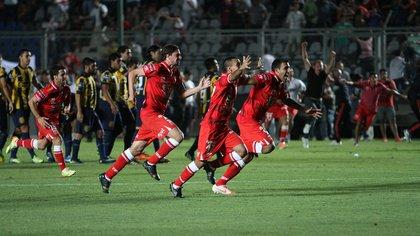 Huracán es el campeón de la Copa Argentina y en el 2015 jugará la Copa Libertadores de América EFE 162