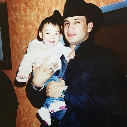 Valentina Elizalde tenía dos años cuando su papá fue asesinado (IG: valentina_elizalde)