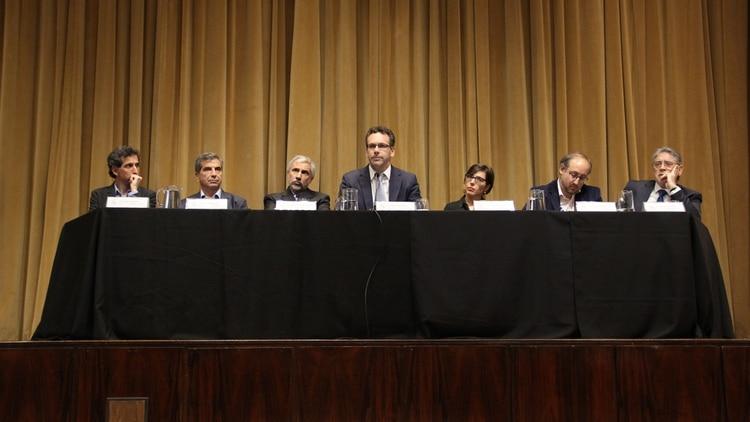 Sandleris y su equipo, en la conferencia de prensa en el BCRA (Matias Baglietto)