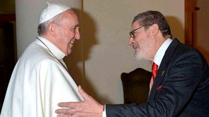 El Papa junto a Fabrizio Soccorsi (Vatican Media)