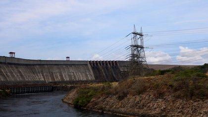 Hidroeléctrica de la represa Gurí, lugar en el que se produjo la falla que dejó sin luz a Venezuela