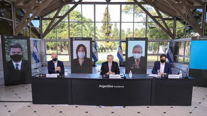 Alberto Fernández estuvo acompañado por Horacio Rodríguez Larreta, Axel Kicillof, Arabela Carreras, Gerardo Morales y Jorge Capitanich