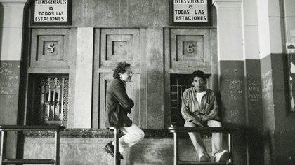 Ricardo Piglia, fotografiado por Daniel Mordzinski en la década del 90