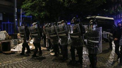 La policía se enfrentó con manifestantes (AFP)