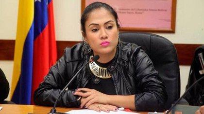 """Las Fuerzas de Acciones Especiales de Maduro amenazaron de muerte a la única gobernadora de la oposición: """"Estamos cumpliendo órdenes"""""""