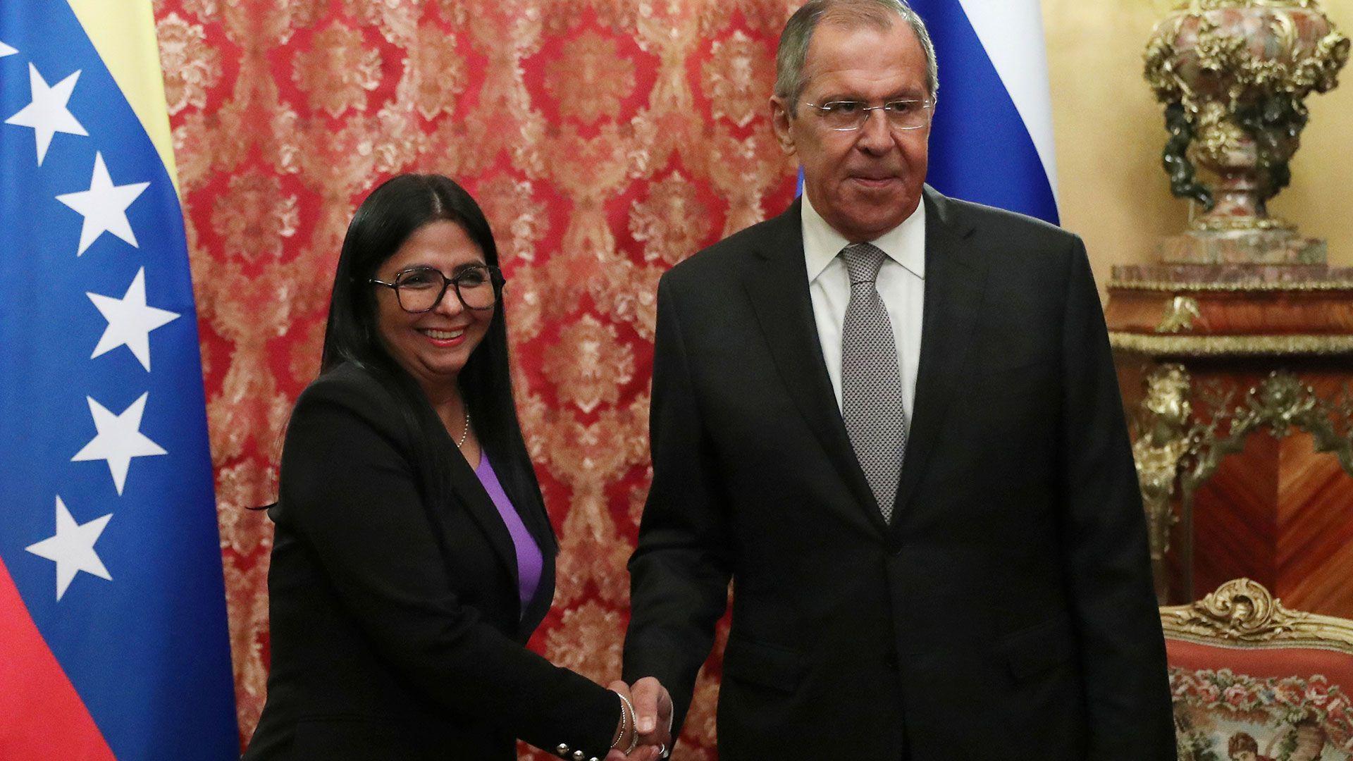 Delcy Rodríguez junto a Sergei Lavrov (REUTERS/Evgenia Novozhenina)