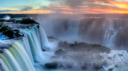 Iguazú y sus Cataratas fueron declaradas como una de las Siete Maravillas Naturales del mundo, y como Patrimonio de la Humanidad en 1984 por la UNESCO (Shutterstock)