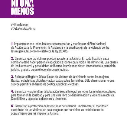 La noche de la movilización para que no haya #NiUnaMenos, Erica Rivas, Juan Minujín y Maitena leyeron un documento donde se detallaban datos sobre la situación de violencia contra las mujeres en Argentina y en el que se planteaban cinco reclamos puntuales.