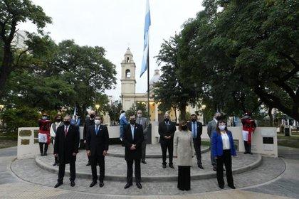 El sábado por la mañana el gobernador santiagueño había encabezado un acto por el día de la bandera