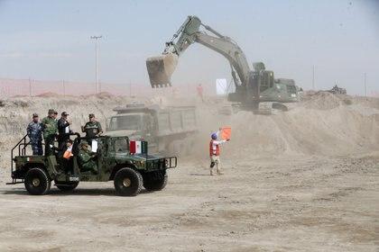 Una de las obras simbólicas que AMLO ha encargado a los militares es la construcción de un aeropuerto en Santa Lucía, Estado de México (Foto: Presidencia/ Cuartoscuro)