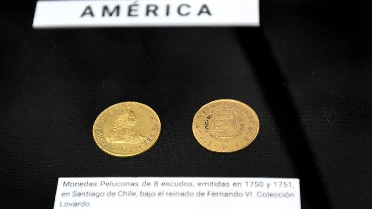 Dos monedas de oro de ocho escudos cedidas por la colección de Mariano Lovardo