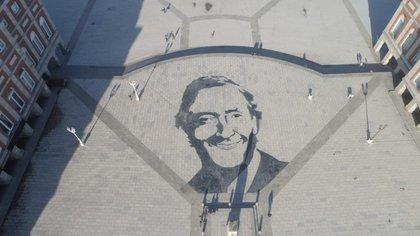 El mural que fue pintado y luego borrado en Mar del Plata (Foto: @dronmardelplata)