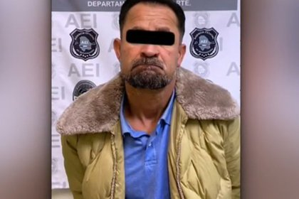 Fue puesto a disposición de un juez de control y se le imputará por homicidio con penalidad agravada, informó Jorge Nava López, Fiscal de Distrito Norte de Chihuahua (Foto: Agencia Estatal de Investigación)