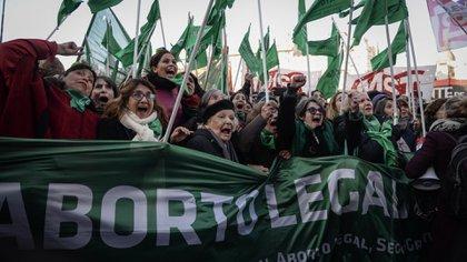 En Diputados se votó la media sanción para aprobar el aborto legal en 2018 y volvió a votarse el 10 diciembre. El Senado vuelve a definir