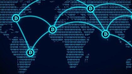 Las criptomonedas como Bitcoin son sostenida por una red de computadoras distribuidas alrededor del mundo (Getty Images)