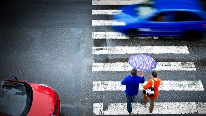 En los accidentes fatales por culpa del tránsito, una quinta parte son peatones (Shutterstock)