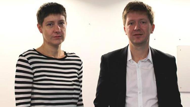 """Andrei Soldatov and Irina Borogan, los autores de """"The Red Web."""""""