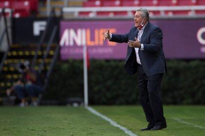 Víctor Manuel Vucetich comentó que aún tienen deseos de calificar entre los primeros cuatro lugares del torneo (Foto: Francisco Guasco/ EFE)