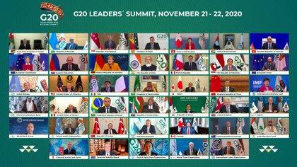 La atípica foto de familia del G20 tomada alrededor de este año debido a la pandemia