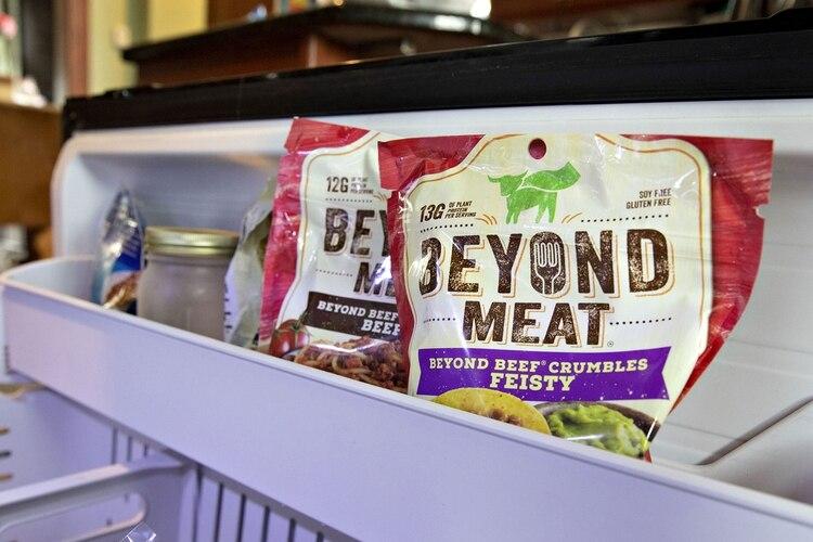 Los productos de la compañía californiana imitan el sabor y la textura de la carne de res y de pollo (Foto: Bloomberg)