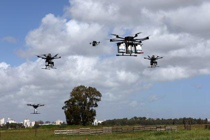 Los drones son pequeños vehículos que pueden tomar imágenes con bajas posibilidades de ser detectados (Foto: REUTERS/Ronen Zvulun)
