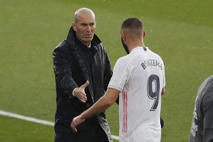 Zinedine Zidane no pudo evitar hablar sobre su futuro en el Real Madrid (Foto: REUTERS)