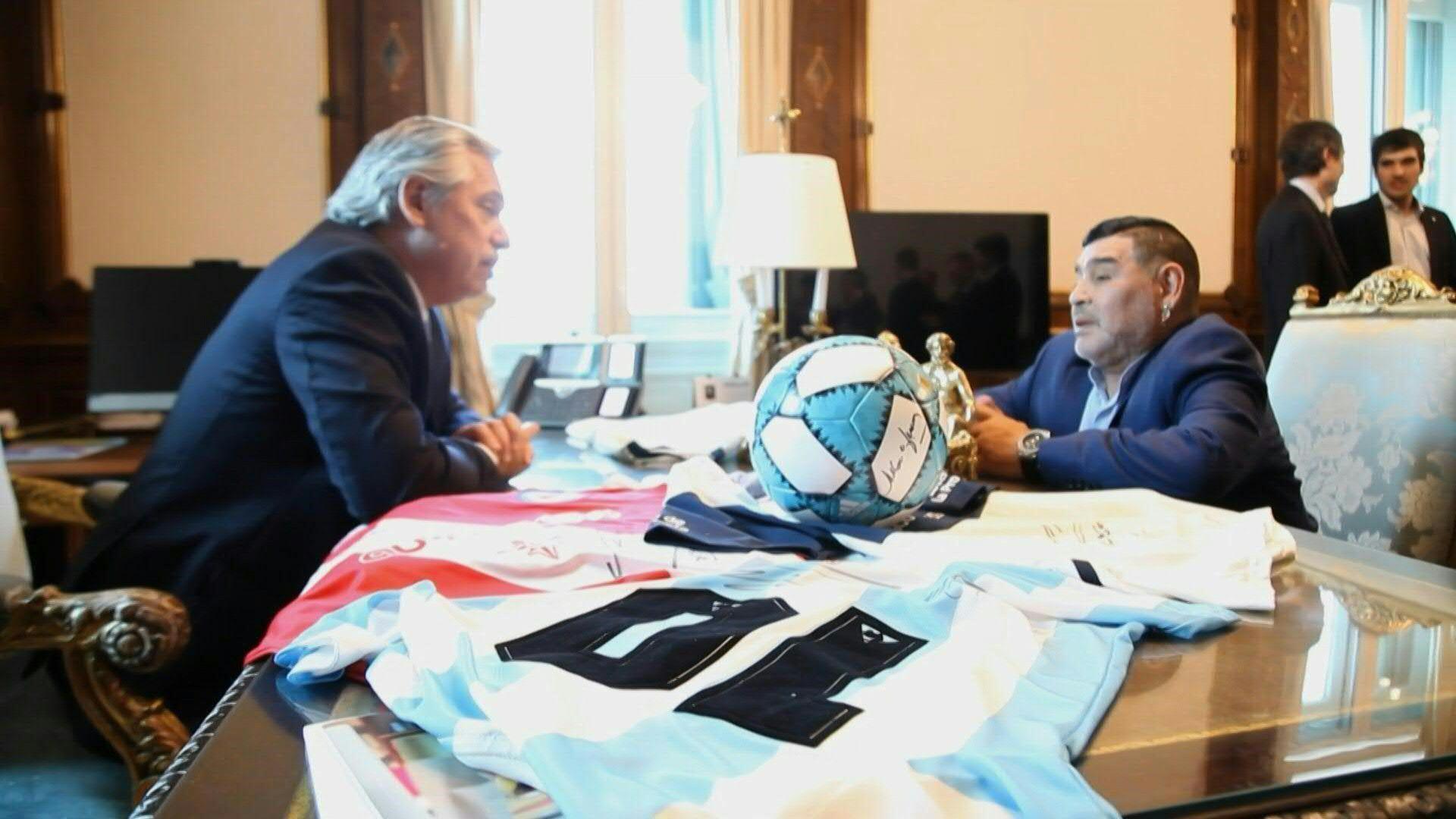 Esta movida conjunta entre el entrenador de Gimnasia y Esgrima La Plata, la Cruz Roja Argentina y el Gobierno Nacional iniciará el sábado 30 de octubre