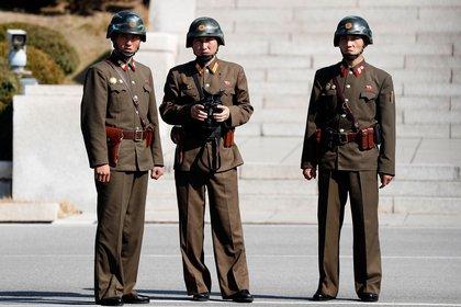 Corea del Norte le pidió a sus soldados que críen conejos para alimentarse a sí mismos (Jeon Heon-Kyun-Pool/Getty Images)