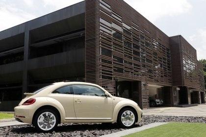 Los clientes de Publi XII recibían un nuevo auto a cambio de permitir publicidad en ellos (Foto: Reuters / Imelda Medina)
