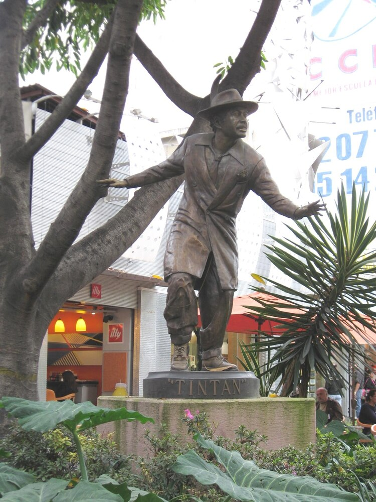 "Una estatua de ""Tin Tan"" sigue recordando al cómico en la Zona Rosa (Foto: Wikipedia)"