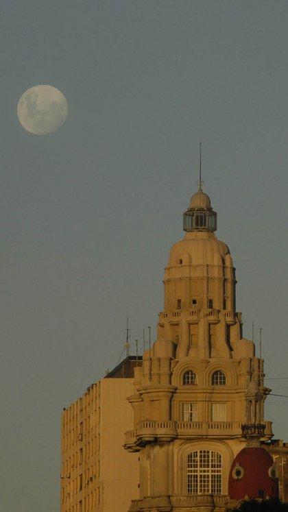 """Pasaje Barolo: """"La construcción vertical era símbolo de progreso"""", afirma Catalina. Foto: Fernando Calzada."""