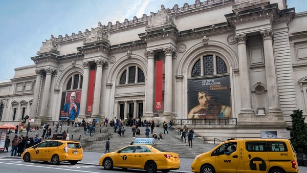 "The Metropolitan Museum of Art in New York, better known as ""The Met"", is located on the mythical Fifth Avenue of the city and some of its rooms overlook Central Park.  There are charity events and the most important galas in the country (Getty Images)"