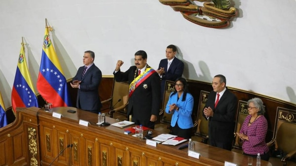 Nicolás Maduro juró como presidente reelecto ante la chavista Asamblea Constituyente y no ante el Parlamento elegido en 2015